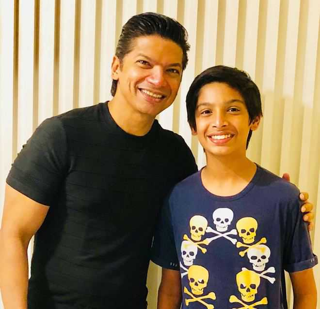 Shaan se…they sing together