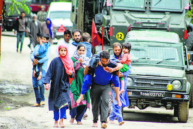 4 'IS' men among 6 killed in Valley
