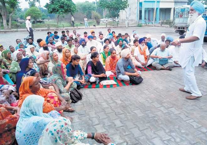 DPDO accused of compromising land policy, villagers hold protest