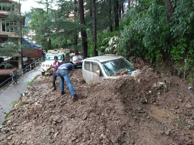 Rain hits life in Shimla