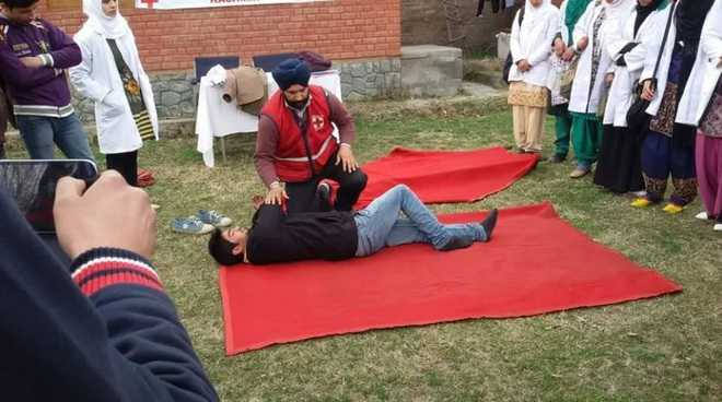 Baramulla doctor becomes master trainer in first aid