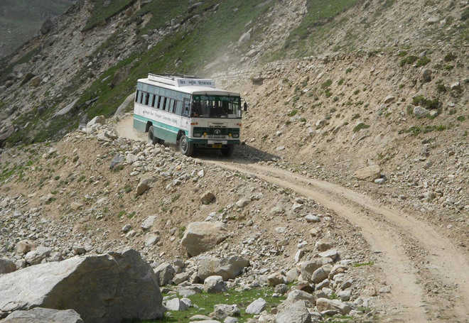 Denied facilities, Lahaulites  start migrating to Kullu areas