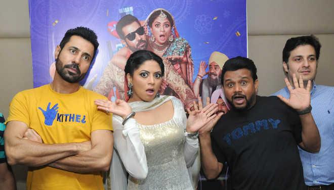 'Vadhayiyaan ji Vadhayiyaan' a movie with a tinge of humour
