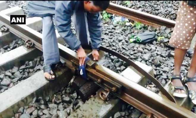 Railways in knots as workers tie 'broken' Mumbai tracks with cloth