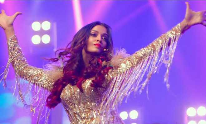 Aishwarya slays as 'Baby Singh' in 'Fanney Khan' new song