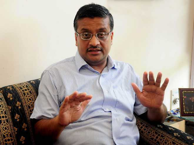 Khemka defends J&K IAS officer for his controversial tweet