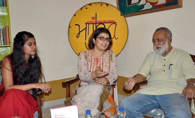 Every youngster is revolutionary: Pak author
