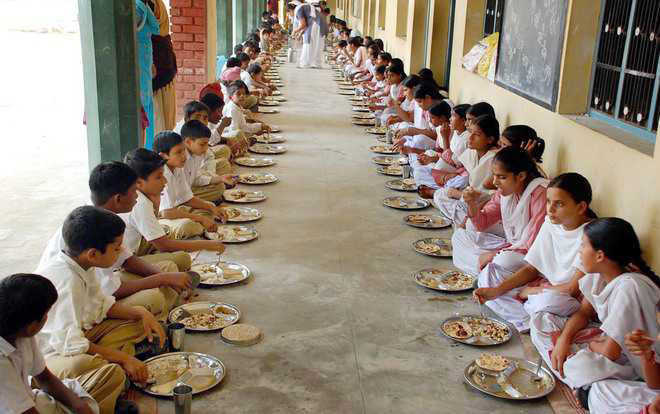Contractual midday meal scheme to go on