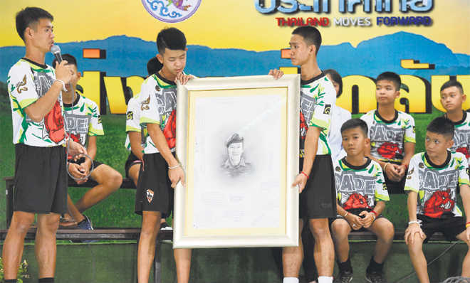 Thai boys recount details of cave ordeal