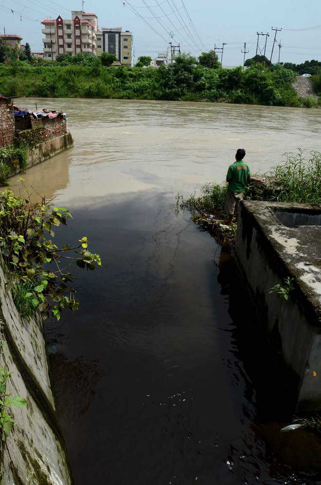 German bank to give aid for cleaning Ganga