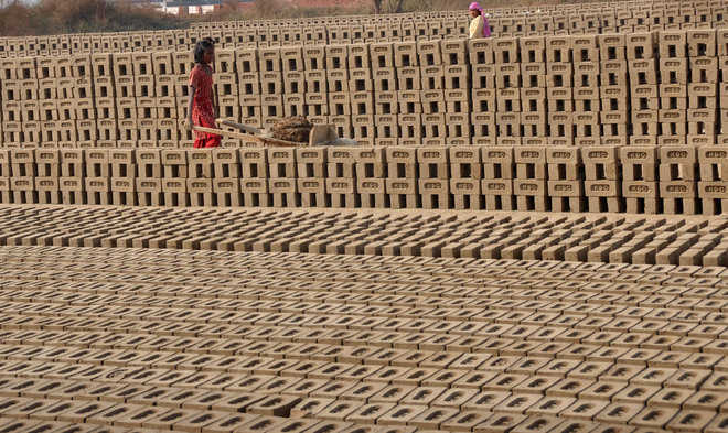 Brick-kiln owners slam order to halt work for four months