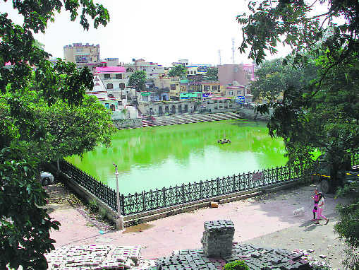 Nahan shows way to treat water sources