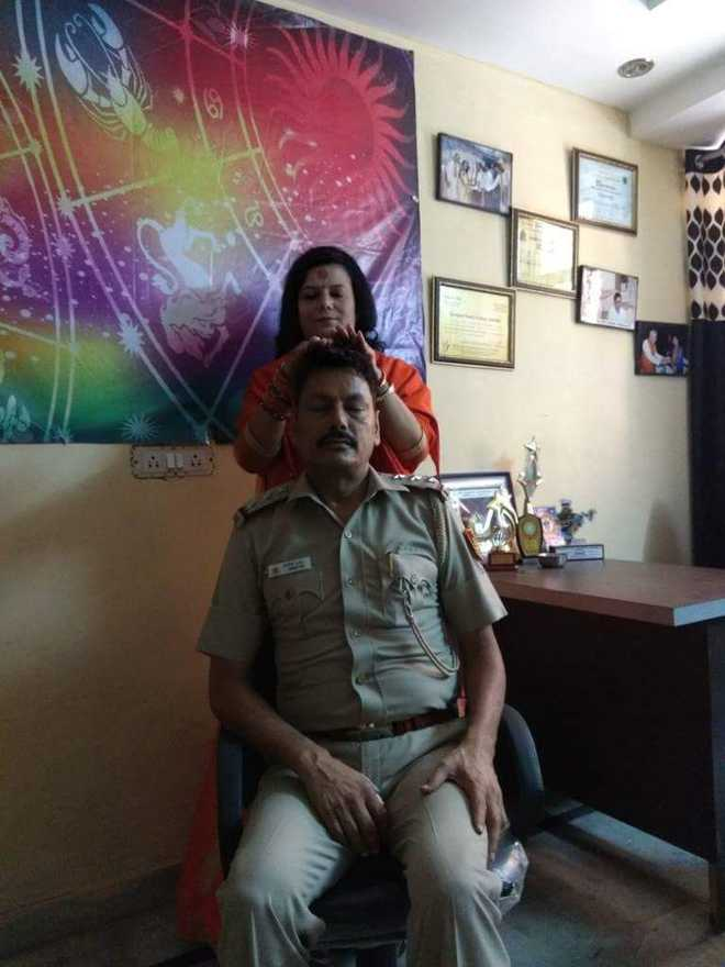 SHO sent to police lines after pic with sadhvi massaging his head goes viral