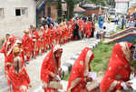 In a first: 105 couples tie the knot in Kashmir