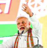 Day after Rahul hug, Modi dismisses Oppn as 'daldal'