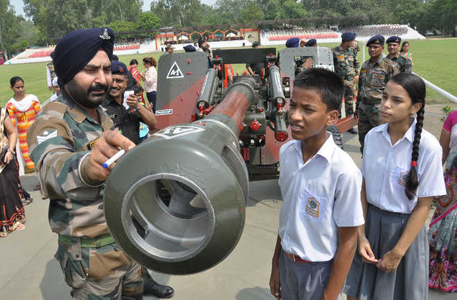 Exhibition on Army weapons thrills kids