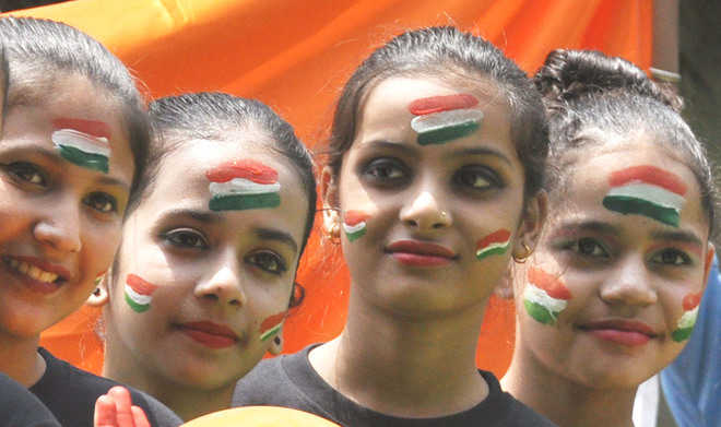 I-Day: Showers exacerbate admn's woes