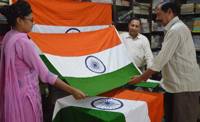 Spurt in sale of khadi products