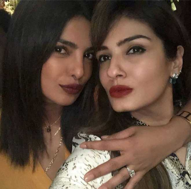 Priyanka Chopra snapped with 'engagement ring'?