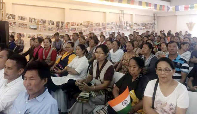 Industry sings paeans to Tibetans