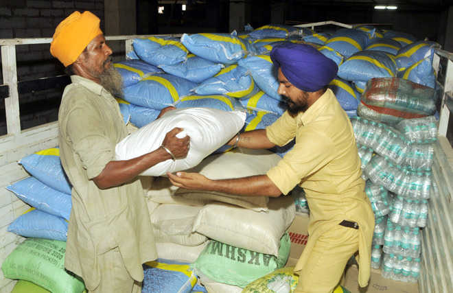 SGPC sends relief to flood victims