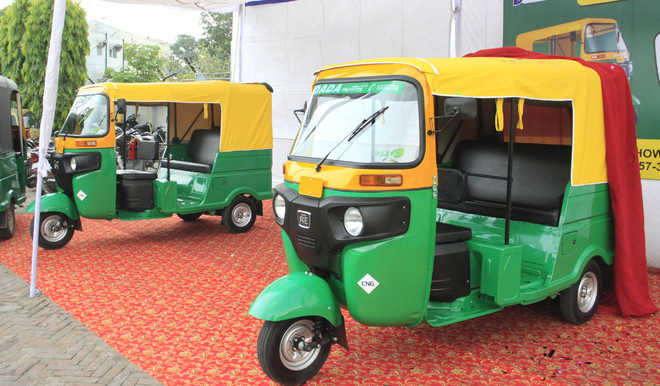 Auto-rickshaw drivers demand more CNG refilling stations
