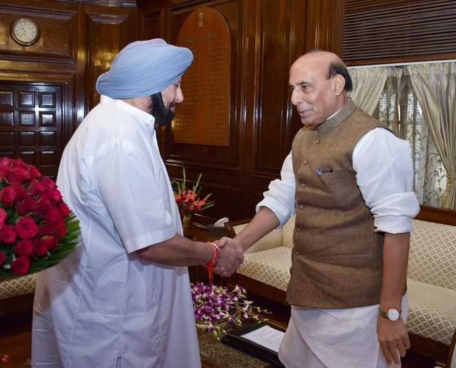 CM meets Finance Minister Arun Jaitley, demands settlement of state's 'food account'