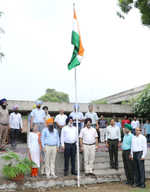 Varsities celebrate I-Day with fervour