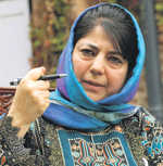 Mehbooba, PDP men at Vajpayee's funeral