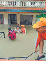 Kerala toll 210, 7.25 lakh displaced