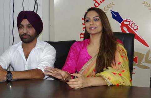 Punjabi movie star cast visits city