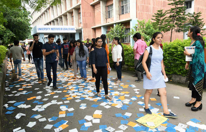 Post-results,  varsity turns red but saffron rises too