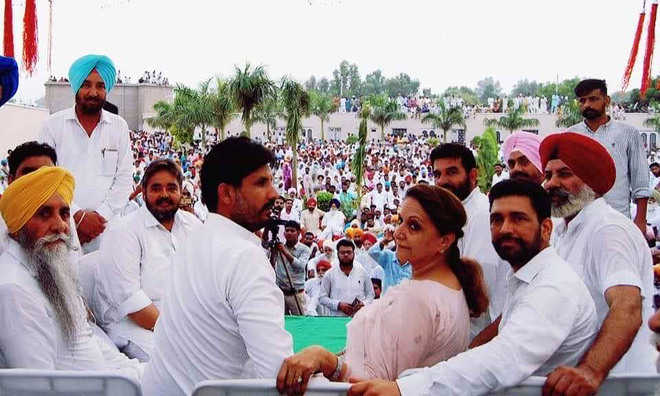 Rural polls: Show of unity by Cong leaders