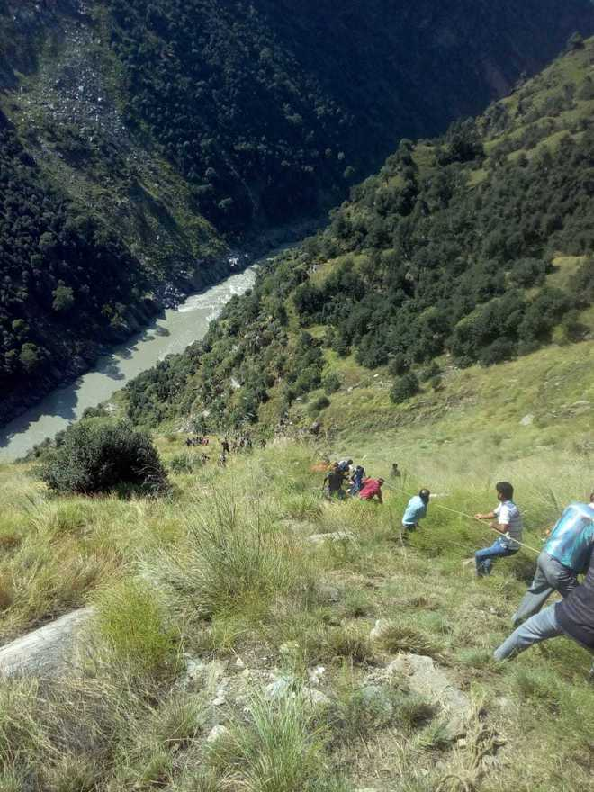 17 killed, 16 injured as mini bus falls into 300-foot gorge in J&K's Kishtwar