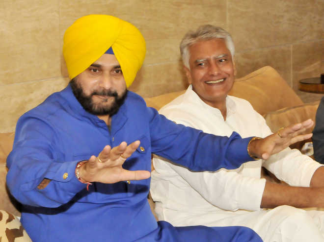 Sidhu approaches Akal Takht to have Badals 'excommunicated'