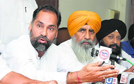 Tinu seeks probe into seizure of liquor from farmhouse