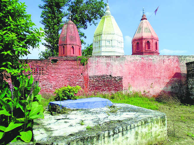 Historical Y'nagar shrines in a shambles