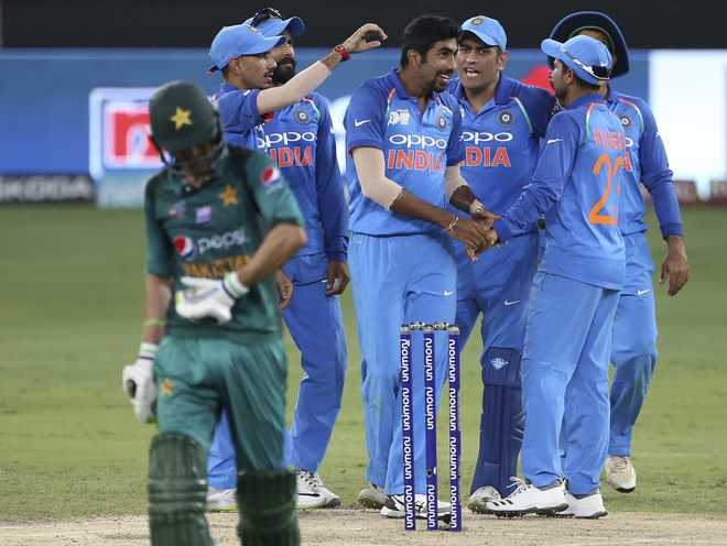 Asia Cup: India restrict Pakistan to 237/7
