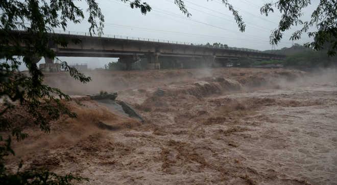 Rain kills 2, damages kharif crop