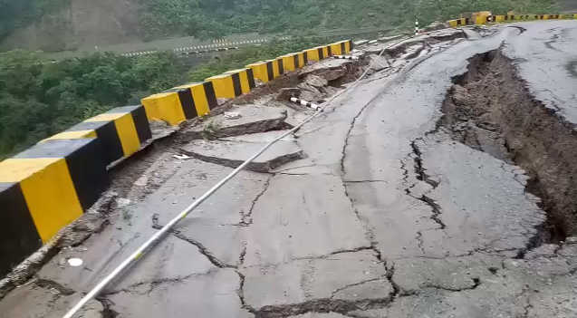 Portion of Parwanoo-Solan stretch caves in