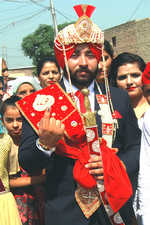 Bridegroom diverts baraat to polling booth to cast vote