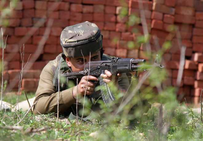 Pakistan targets Indian posts in Poonch district of Jammu and Kashmir