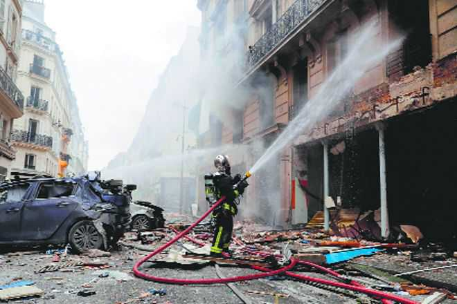 Three killed in Paris gas explosion