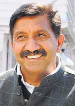 Squeezed session a ploy to avoid public issues: Cong