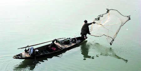 BSF seizes 2 Pak boats near Kutch