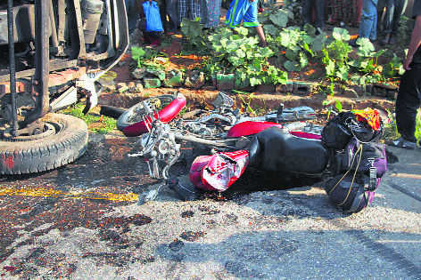 Man killed, son injured in road accident