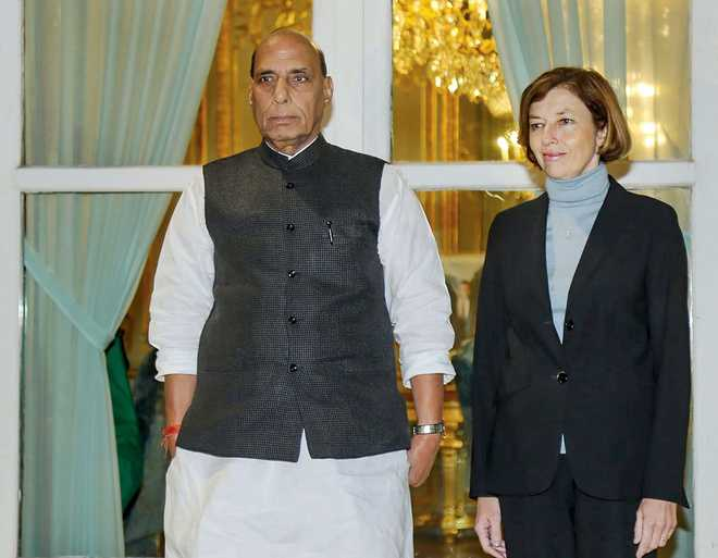India, France focus on defence