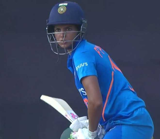Debutant Punia powers India to 8-wkt win