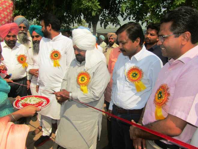 Refrain from setting crop residue on fire, Faridkot MP appeals to farmers