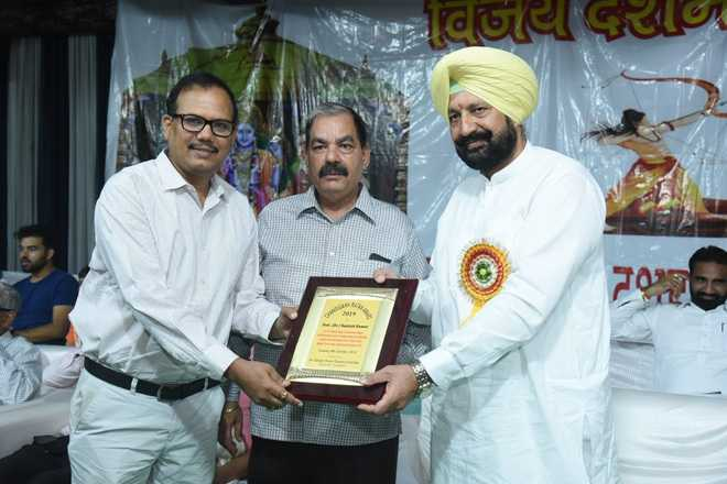PGI senior urologist awarded